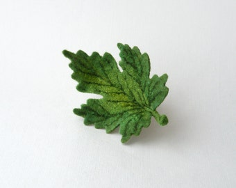 Green leaf brooch maple leaf floral jewelry felt brooch pin woodland fairy nature lover gift green leaves gift for her woodland style