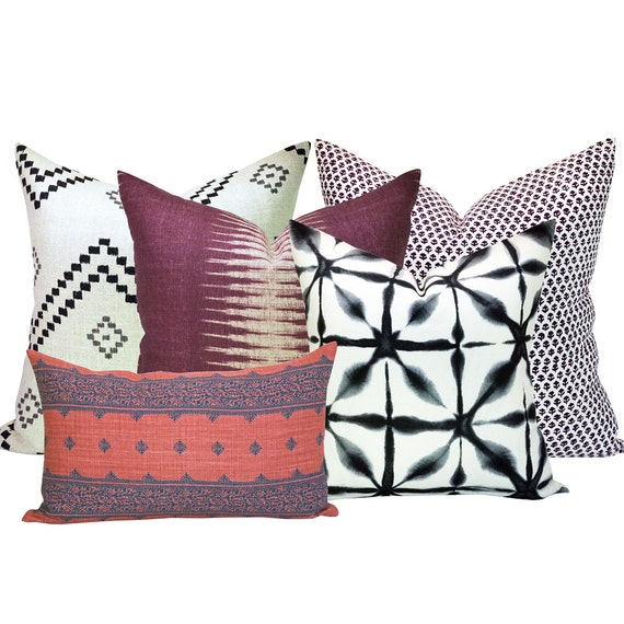 Spark Modern Pillows Etsy : Spark Modern Curated Collection 8 Taj Onyx/Ash Ikat Pasha