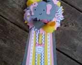 Pink and grey baby shower mum pin