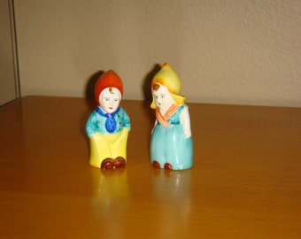 Vintage Dutch Boy and Girl Salt and Pepper Shakers Marked Japan Chicago Souvenir