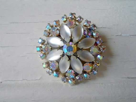Wedding Brooch Bouquet Nz : Vintage rhinestone flower brooch frosted stones aurora