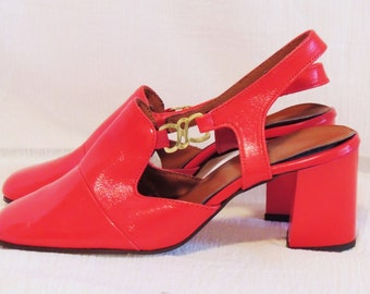 1960's Fire Engine RED Shoes, Size 6 B