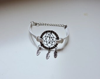 White Boho Dream Catcher Bracelet with Silver Feathers and Natural Stone, Native American Handmade Bracelet