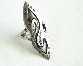 Southwestern Statement Ring Size 10 Vintage Sterling Silver Long Ring Artisan Signed Boho Jewelry