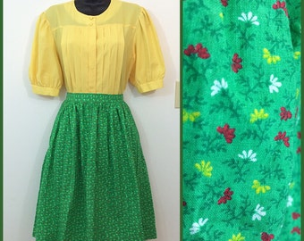 Ditzy Darling // 1950s 1960s Green Tiny Floral Print Skirt