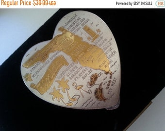 NOW ON SALE Vintage Heart Shaped Compact Florida Usa ** Mid Century Modern ** Mad Men Mod ** Home Decor Vanity Collectible 1950's 1960's