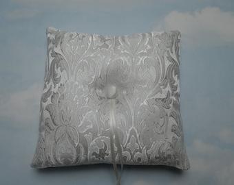 SALE * REDUCED PRICE * White brocade ring pillow. Wedding ring cushion.