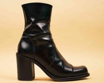 90s Vtg Shiny GUESS Black Genuine Leather Ankle Boot / Mod Minimalist Chunky Platform Heel Zip Up Chelsea Go Go Sleek /