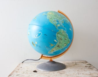 Vintage World Light Up Globe - Lamp Globe World Map Crams 1960s Bright Colors Metal Base Plug in Guinness Book of World Records