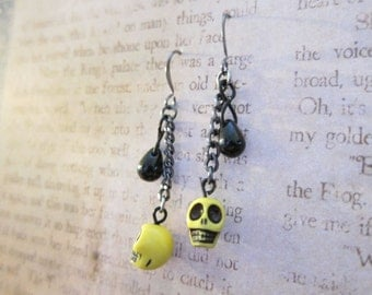 Yellow Skull Gun Metal Chain Black Teardrop Bead Earrings TCJG