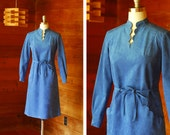 vintage 1970s Jay Anderson blue ultrasuede scallop dress / size medium