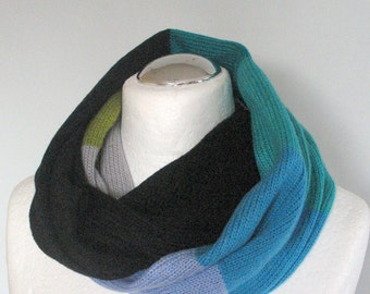 Black Knit Infinity Scarf Chunky Infinity Scarf Knit scarf Knit Cowl Scarf Neckwarmer Circle Scarf Chunky Scarf Azure Green Moss Striped