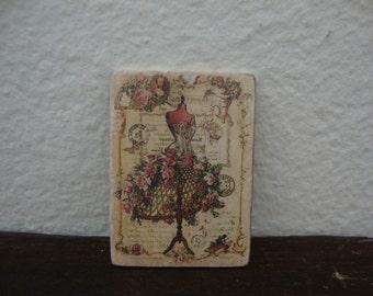 dollhouse miniature image   vintage