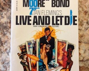 Vintage paper back James Bond Ian Fleming   Live and let die printing 1973