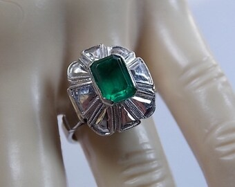 Vintage Emerald Ring  2 Carats White Gold 14K 8,4Gm Size 7.75 (7 3/4) Ballerina Style