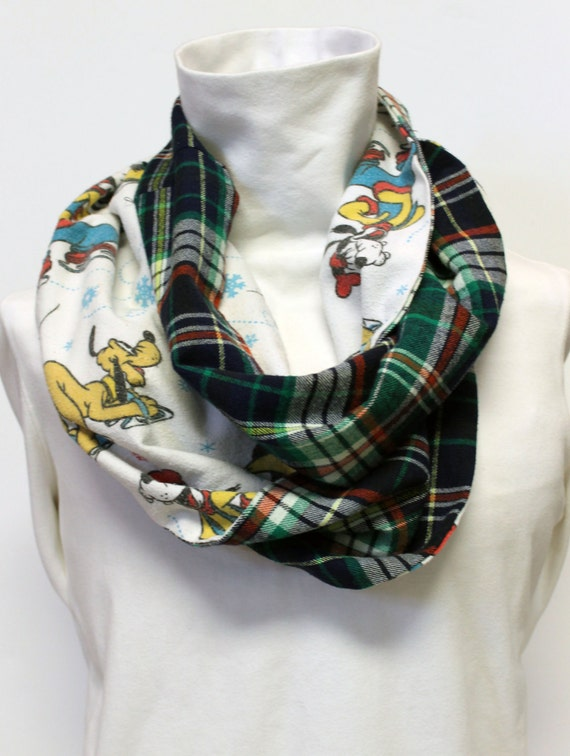 Mickey Mouse Winter Plaid Scarf with Pocket