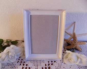 White Rustic Shabby Chic Distressed 5 x 7 Picture Frame Up Cycled Vintage Photo Decoration French Country Farmhouse Beach Cottage Home Decor