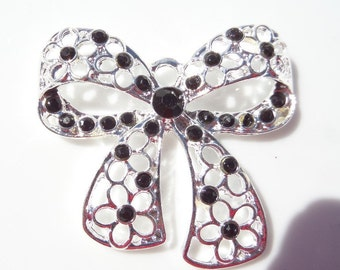 SALE! 45mm Black and Silver Bow Rhinestone, P57