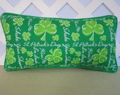 St Patricks Day Pillow / Shamrocks Pillow in Green / Green Pillow / Irish Pillow / Accent Pillow / Novelty Pillow