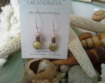 Mauve and green freshwater pearl earrings