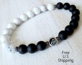 Men's Yin Yang bracelet, Onyx, Howlite, Yin Yang mala, onyx bracelet, balance bracelet, black and white, wrist mala, howlite bracelet, mala