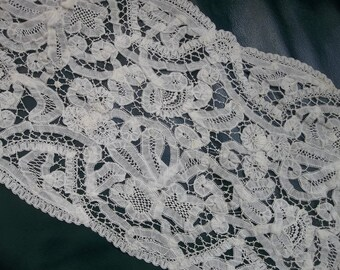 """EXTRAORDINARY Antique Handmade BELGIUM PRINCESS  Needle Lace...Lace Collector..8.5"""" Wide by 42"""" long"""