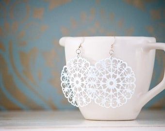 White Metal Round Filigree Dangles