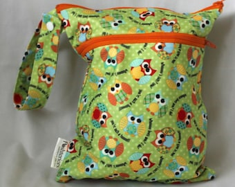 Wet and dry bag. Double zippered bag. 2 compartments. owl print.