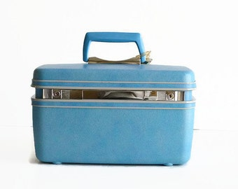 vintage Samsonite train makeup case with key blue suitcase luggage
