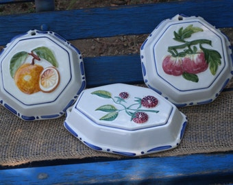 Set of Four Vintage Italy Fruit Molds ~ Wall Plaques // Home Decor// Kitchen Decor// Wall Hangings