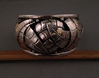 Large sterling silver cuff made in Mexico