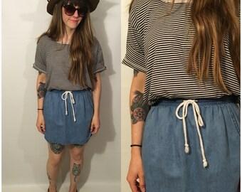 Vintage 90s Black and White Striped Top Short Sleeve Shirt Basic Simple Grunge Size Large