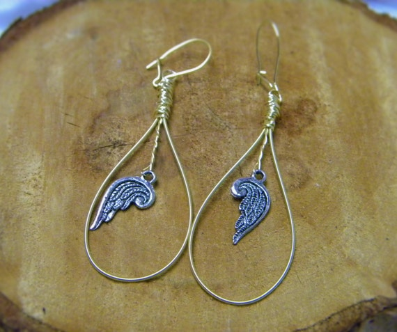 guitar string earrings with angel wing dangle. Black Bedroom Furniture Sets. Home Design Ideas