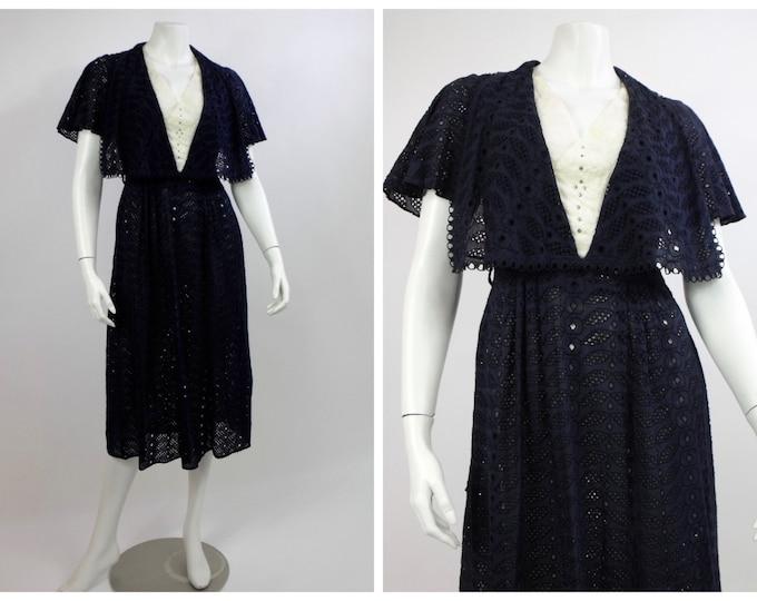 1930's Navy Cotton Eyelet Day Dress - Stunning Floral Eyelet 30's Dress - Navy and Ivory Cotton Summer Dress - Ladies Size 6 to 8 - Medium