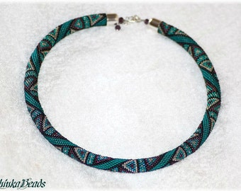Gorgeous  teal geometric triangle pattern bead crochet necklace