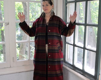 Woolrich Wool Maxi Coat/Vintage 1980s/Retro Wool Blanket Coat/Striped Burgundy Coat/Size Small