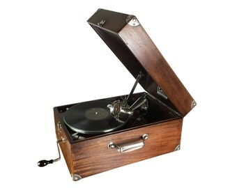 1920s Vintage Mahogany Victor Portable Gramophone, Cleaned, Waxed and Working