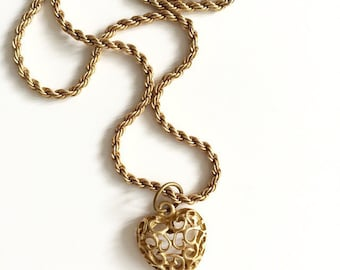 1990s Golden Heart Pendant Necklace