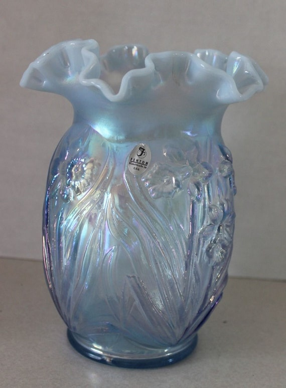 Beautiful Fenton Art Glass Vase Daffodil Opalescent Iridescent Irridescent Ruffled Art Glass Vase