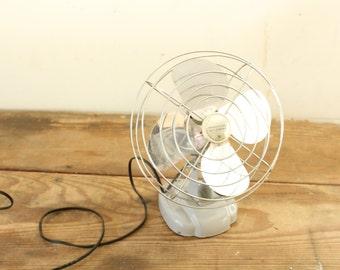 Vintage Electric Fan Gray Metal Fan Manning Bowman Electric Fan Model 085221 Portable Non-Oscillating Works