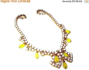 "Rhinestone Bib Necklace Yellow Givre Crystal Beads & Milk White Cabochons Gold Metal 15.5"" Vintage"