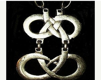 Celtic Knot Pendant Chain Necklace Statment Large Silver Curb Chain Hook & Tail Clasp 20 in Vintage