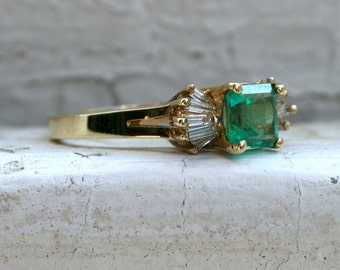 Beautiful Vintage 14K Yellow Gold Diamond and Emerald Ring - 1.20ct.