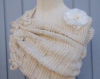 Wedding shawl, wedding wrap, womens shawl, handmade shawl, knit shwal, bridesmaid shawl, wedding accessories, bridal accessories, capelet.
