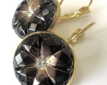 BLACK GOLD vintage button earrings, Czech glass buttons, gold lever backs