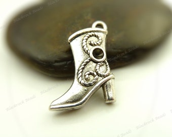 Bulk 18 Cowgirl Boot Charms ( 3D and Double Sided ) 20x14mm Antique Silver Tone Metal - Very Detailed - BH6