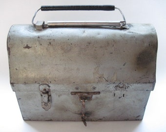Antique Rustic GSW Dome Metal Lunch Pail Box Canada