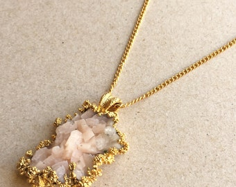 vintage soft pink druzy quartz nugget pendant necklace in gold tone metal setting