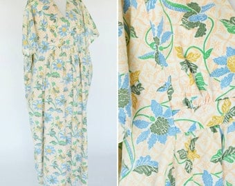 Vintage 1970's Cream Floral Maxi Kaftan Dress - Blue Boho Batik Caftan With Empire Waist -  ladies one size fits all - ladies size large