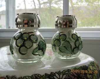 Salt and Pepper Shaker with green grapes and green leaves hand painted